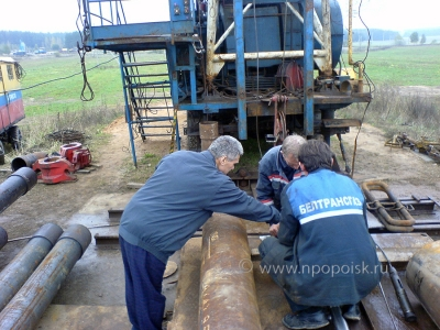 Connecting the cable lugs to the downhole device SCANER-2000 preparation for the study of wells in an open chamber
